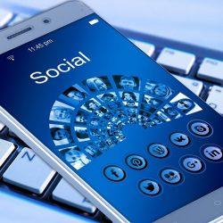 Życie w sieci - Plusy i minusy portali społecznościowych