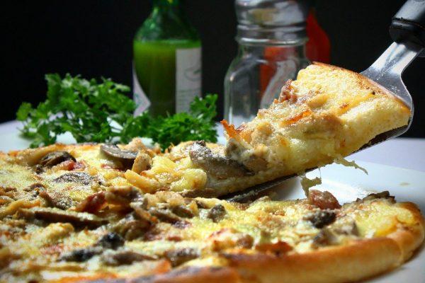 pizza na telefon